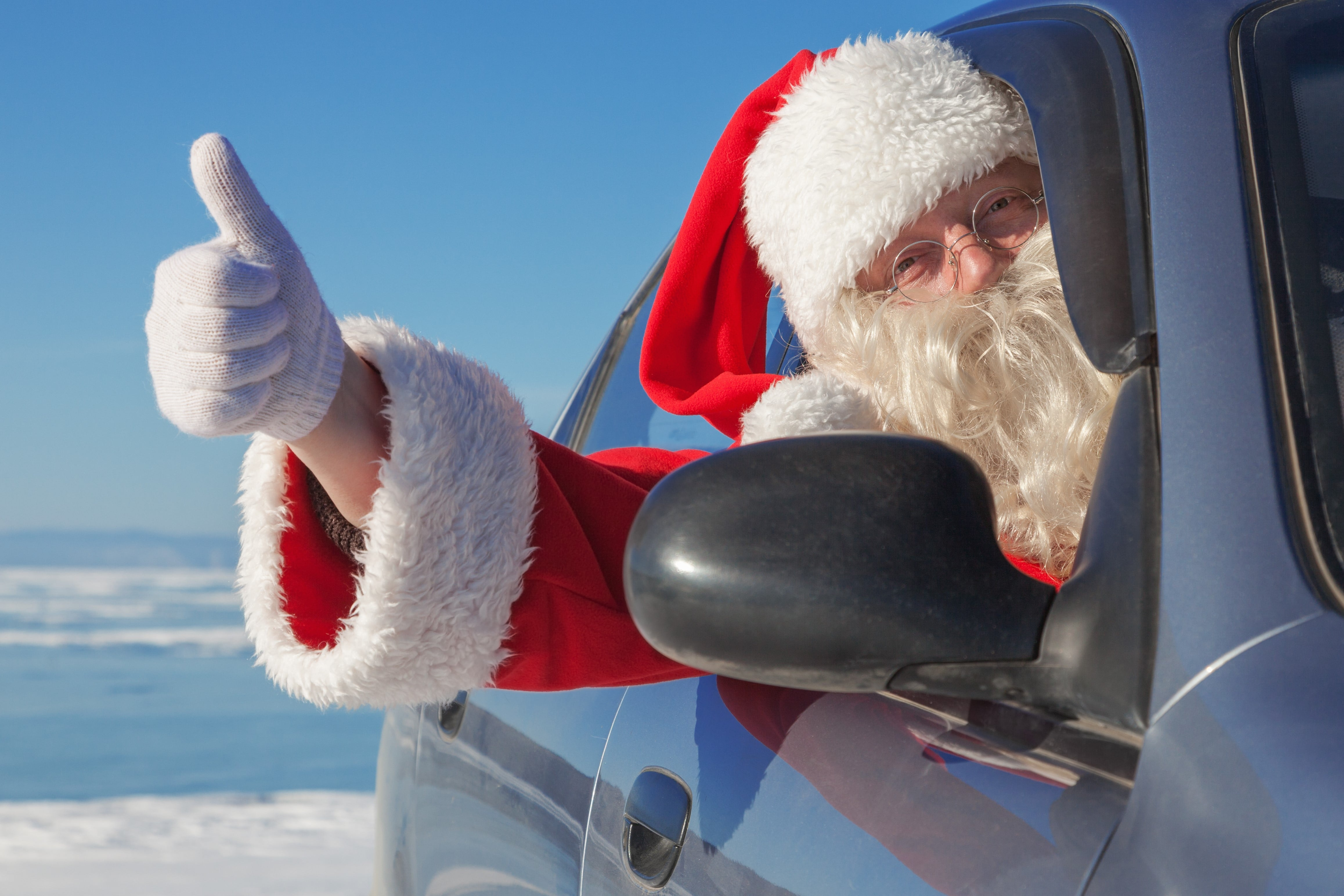 Santa has back government plans to cut the cost of parking over the Christmas period.