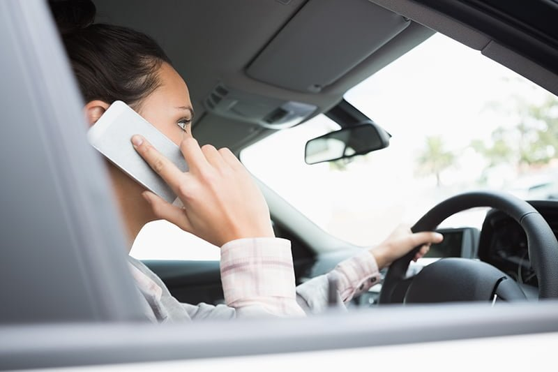 Many motorists ignore the law about mobile use
