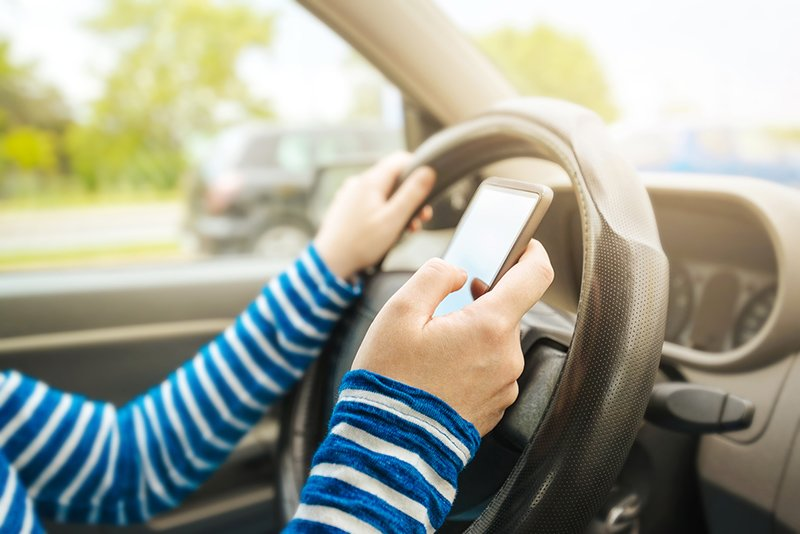 Study finds new drivers start texting after just three weeks