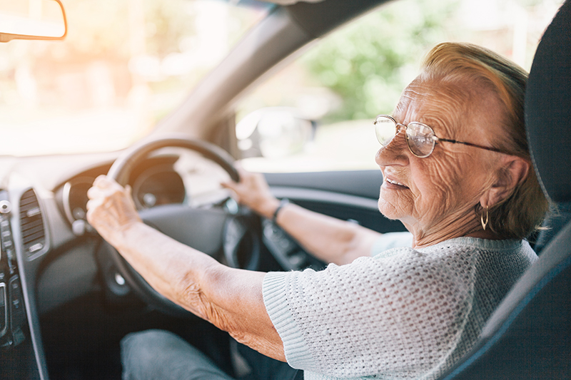 In the UK there is no legal age that you need to stop driving. Instead it is down to the individual to decide when they are too old to drive.