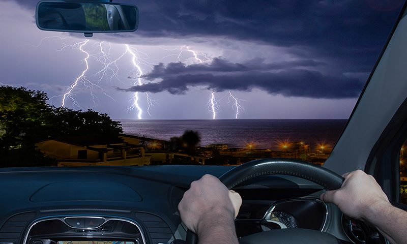 Top tips for driving in a thunderstorm