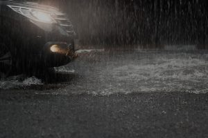 Driving in thunderstorms top tips