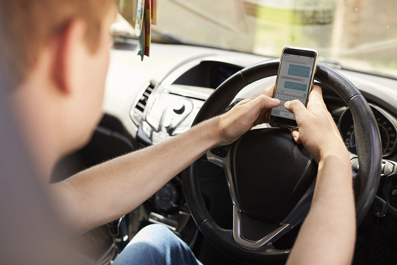 Millions of motorists still using their phone behind the wheel